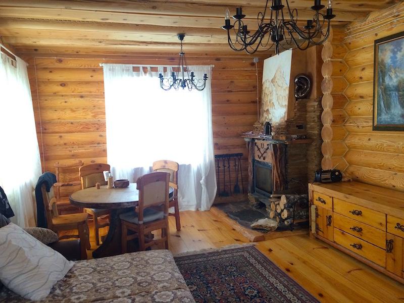 продается уютная усадьба с рубленным домом 116 кв.м. и гостевым домом 60 кв. м. в центр...